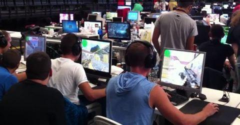 MUNDO PC - Asturparty 2012 y la alta tecnología a punto de comenzar -